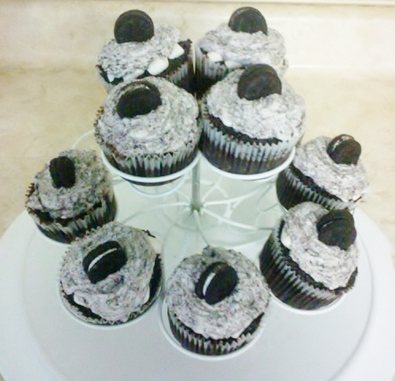 {Sweets Occasions} Cookies and Cream Cupcakes
